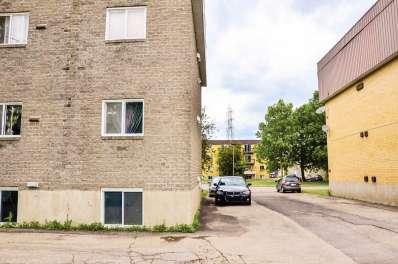 11-Place-Lanctot-Saint-Constant.jpg