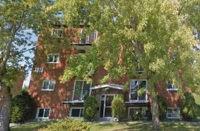 1015--de-la-Sainte-Famille-Sherbrooke.jpg